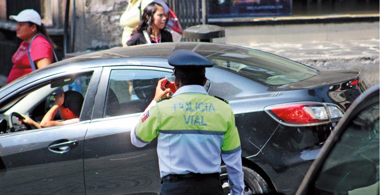 Vialidad. Los agentes de Tránsito estarán ubicados en las calles y avenidas de Cuernavaca donde se genera más tráfico por ir a dejar, o recoger, a los niños que van a clases.