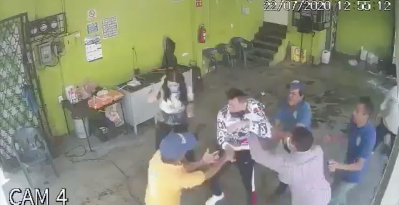 Otro ladrón más, fue golpeado por ciudadanos, cuando intentó asaltar puesto de quesadillas