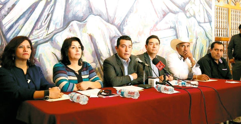 Postura. El grupo parlamentario del PAN votó en contra de la reforma constitucional y ahora pretenden que el decreto sea frenado por los cabildos.