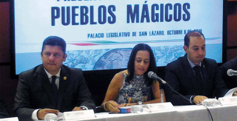"""Evento. Javier Bolaños Aguilar acudió a la presentación del libro """"Pueblos Mágicos"""", en las instalaciones del Palacio Legislativo de San Lázaro."""