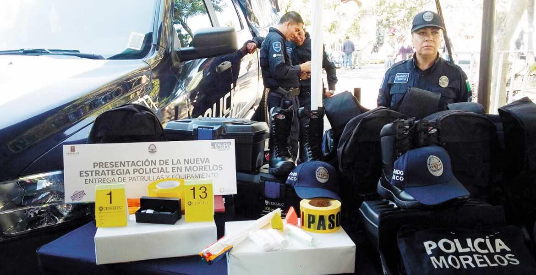 Equipo. Patrullas, equipo táctico, y armas, fueron entregadas ayer a los municipios.