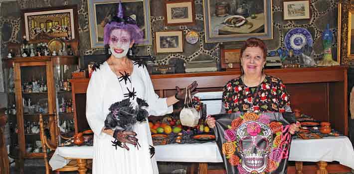 Paty González y Eunice Monroy.