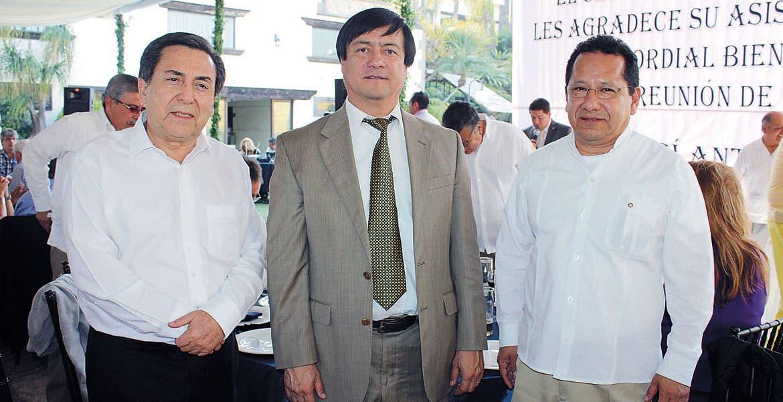 José Hernández, Carlos Riva Palacio y Julio Díaz.