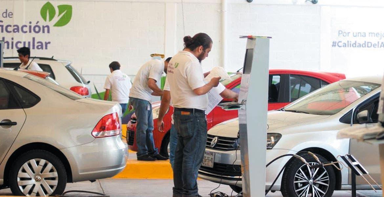 Cantarranas. En este verificentro se da servicio a tres autos al mismo tiempo, y el proceso dura al menos seis minutos. Destacan que ya está listo el sistema de citas para aminorar la espera de los conductores