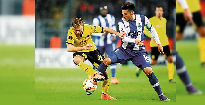 Con Herrera y Layún, el Porto pierde en casa vs. el Dortmund