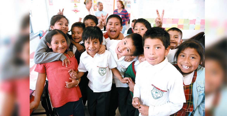 A clases. Las inscripciones empiezan hasta el próximo mes, pero ya se pueden pre registrar a los niños desde preescolar hasta secundaria.