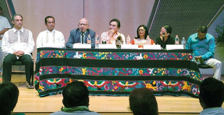 """Evento. Aspectos del coloquio """"Autonomías Indígenas en México; Retos y Perspectivas"""", en el que participó la Comisión de Derechos Humanos del Estado de Morelos (CDHEM)."""