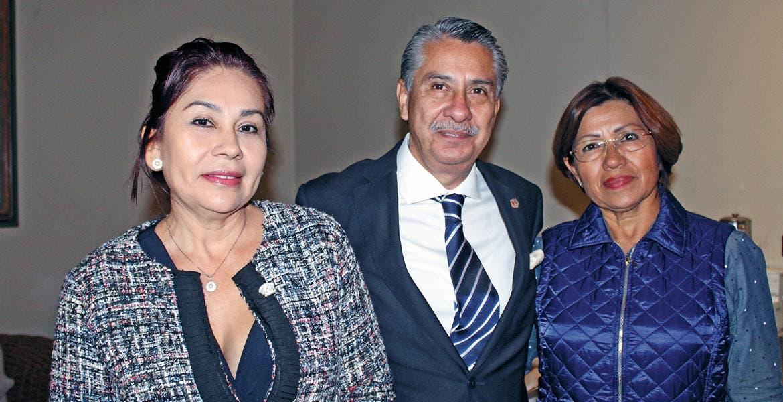 Ana María Albor, Rafael Arámburu y Eugenia Cruz