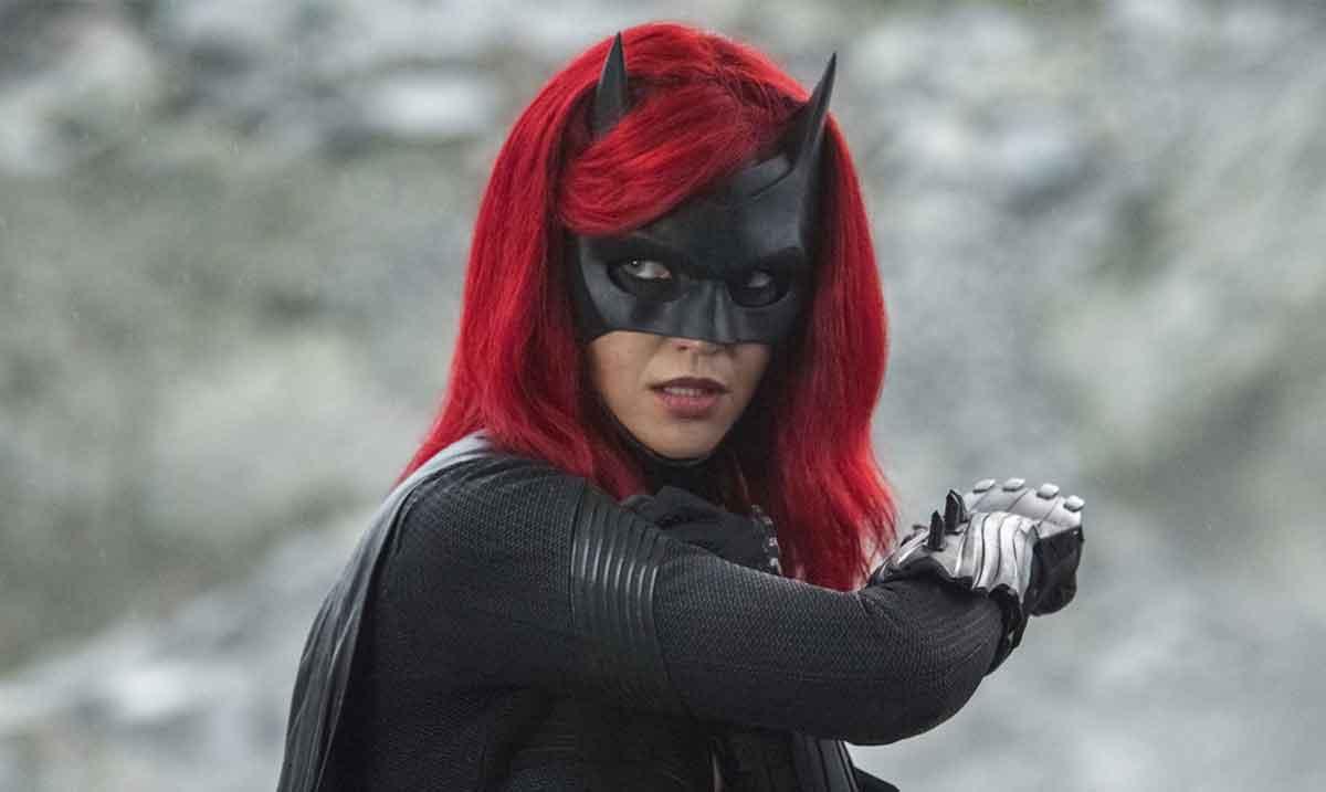 Actriz de Batwoman revela que dejó la serie por abusos