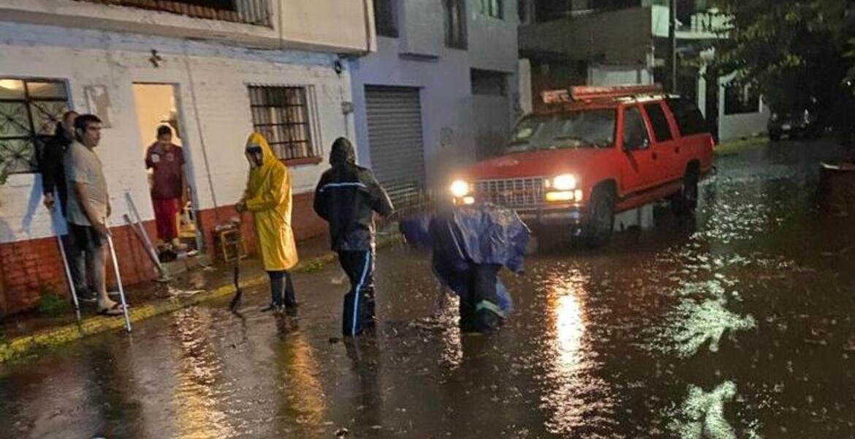 Registran inundaciones en colonias de Cuernavaca tras lluvias