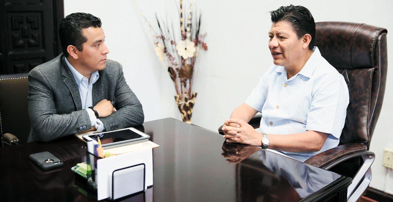 Diálogo. En el encuentro estuvo presente el legislador panista Carlos Alaniz Romero.