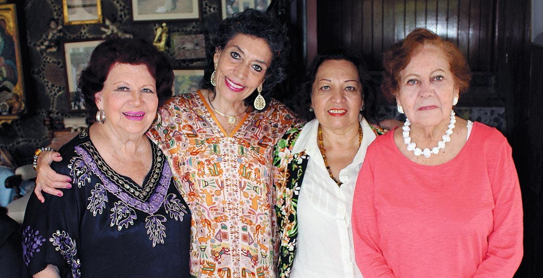 Adela Crippa, Paty González, Yolanda Villalobos y Anita Oliveros