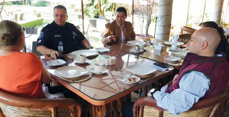 Reunión. Matías Quiroz Medina, secretario de Gobierno, acompañado por el comisionado Jesús Alberto Capella, el fiscal Javier Pérez Durón y la titular de la Defensoría Pública, Mirta Sagrario.