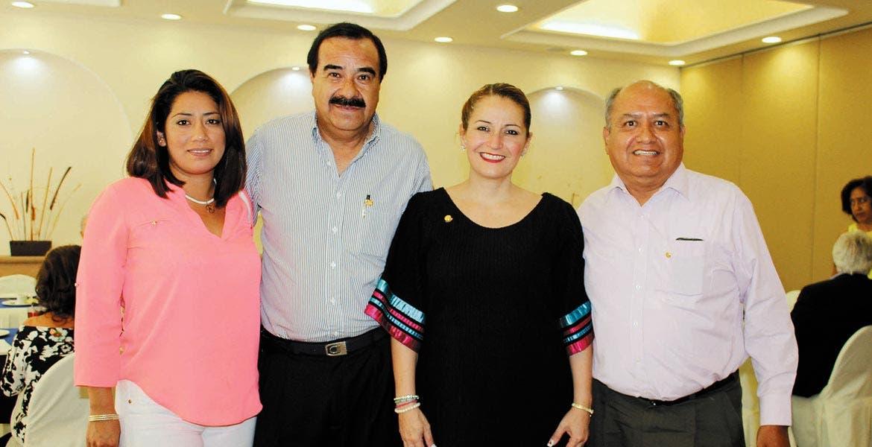 Yarely Flores, José Luis Muñoz, Liliana Fernández y Filiberto Betancourt.