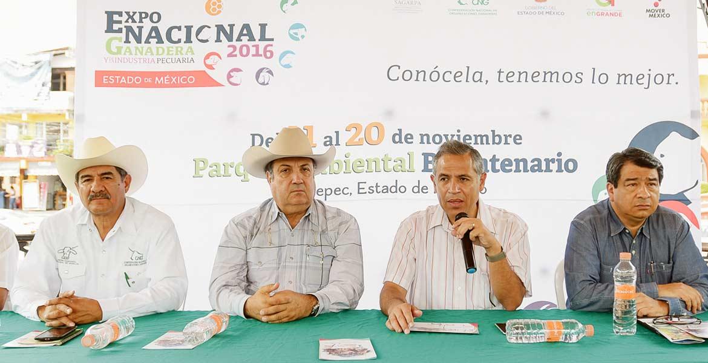 Anuncio. El titular de la Sedagro, Roberto Ruiz Silva, durante el anuncio realizado ayer para la organización de un evento ganadero en la entidad morelense.
