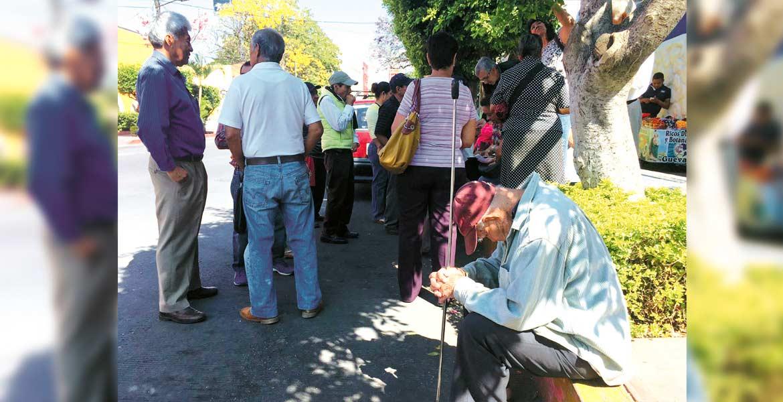 No estamos negando pagar el agua, pero sí requerimos que el SAPAC nos ayude a pagar en varias mensualidades. - Jorge Mendoza, vecino del centro.