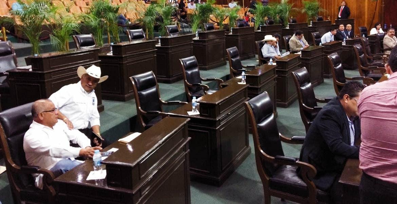 Escasez. Durante una sesión accidentada por ausencia de diputados pasa exhorto para SAPAC a fin de evitar fallas en suministro.