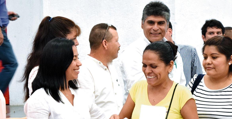 Compromiso. Blanca Almazo dijo que la población no debe pagar por ser beneficiada.