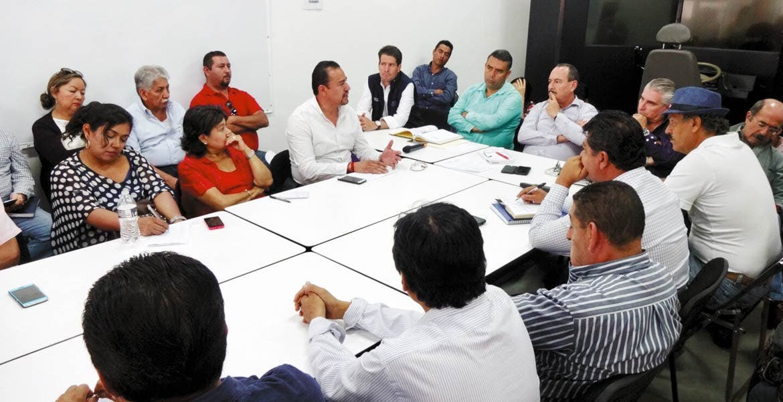 Encuentro. El secretario de Movilidad y Transporte, Jorge Messeguer Guillén, dejó abierta la posibilidad de un posible incremento, pero la decisión se tomaría en las meses de diálogo con los transportistas.