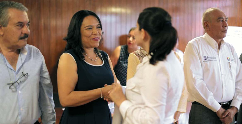 Compromiso. Gabriela Bañón Estrada dijo que se respetarán los derechos de todos los docentes.