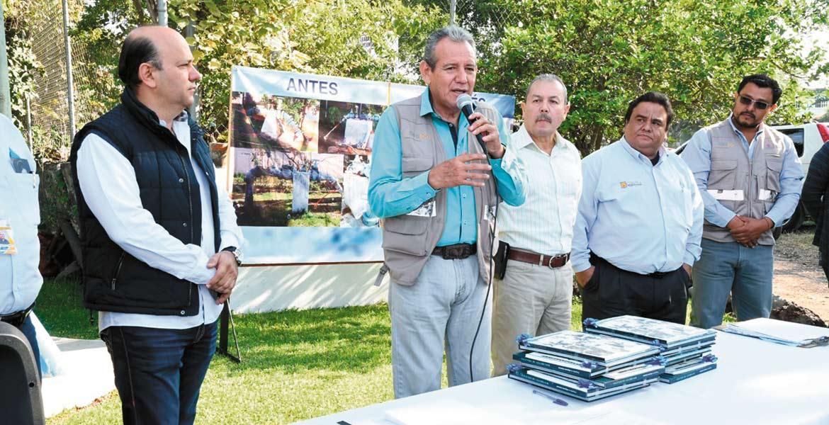Galardonan. El director del SOAPSC, Rodrigo Luis Arredondo López, destacó que el alcalde Raúl Tadeo Nava instruyó que mejorarán el servicio, y señaló que el reconocimiento es gracias a la labor de todos.