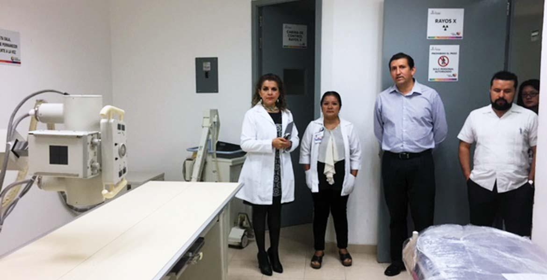 Supervisión. La secretaria de Salud, Patricia Mora, recorrió el Hospital Comunitario de Jonacatepec, constantó su funcionamiento y anunció que proximamente descargarán de trabajo los laboratorios.