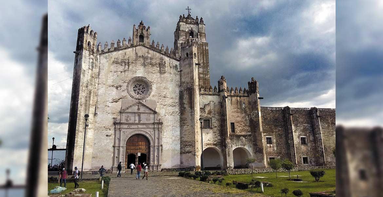 Construído en 1535 y 1540. El ex monasterio de San Juan el Bautista, santo patrono del pueblo.