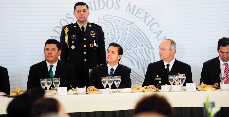 Seguridad nacional. Durante la celebración por el Día del Ejército el diputado morelense Javier Bolaños pidió acelerar el trabajo legislativo en materia de seguridad.