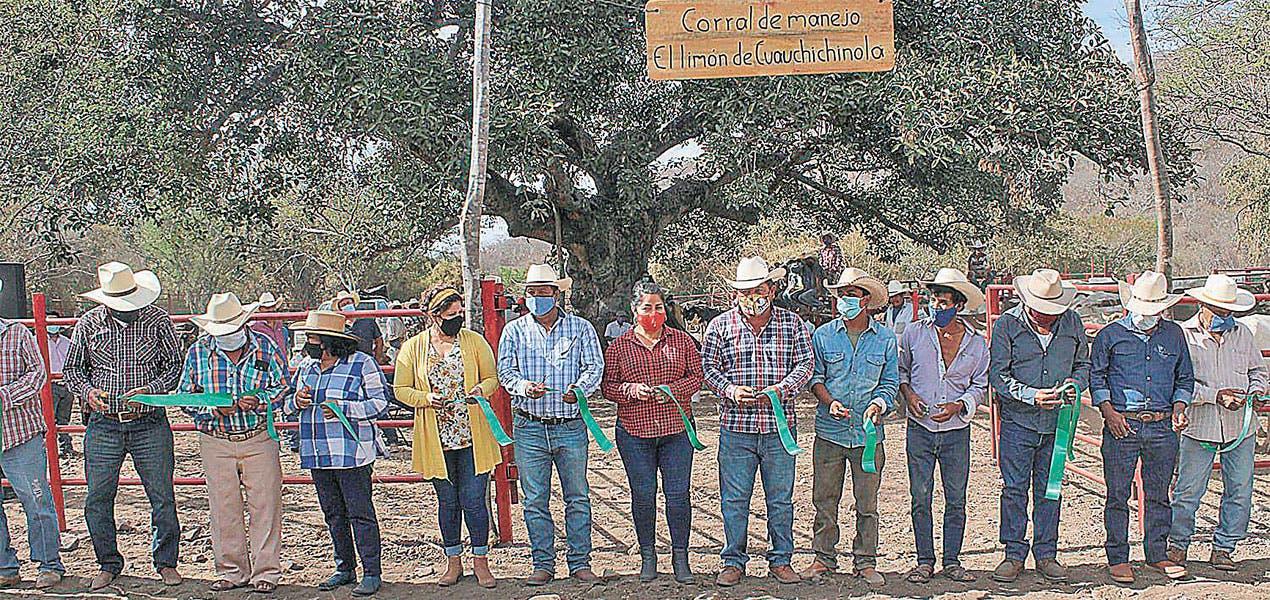 Inauguran corral de toros en Tepalcingo