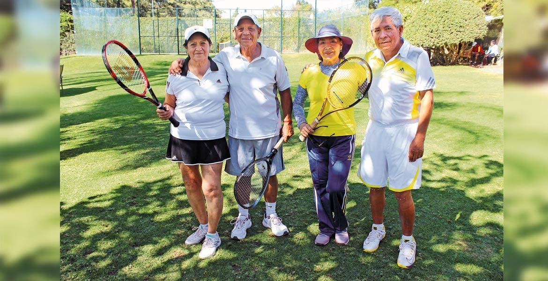 Enriqueta Páez, Víctor Ortega, Lidia y Simón Hernández