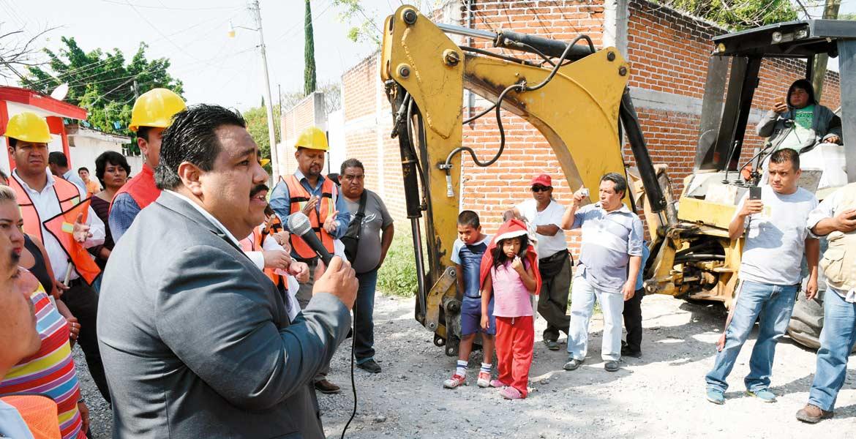 Banderazo. El alcalde de Cuautla dio inicio a las obras que mejorarán el entorno de cientos de habitantes de diferentes colonias.