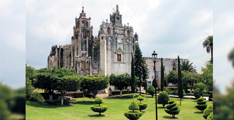 Templo y convento de San Mateo Apóstol