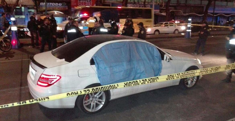 Asesinan a hombre afuera de la Arena México
