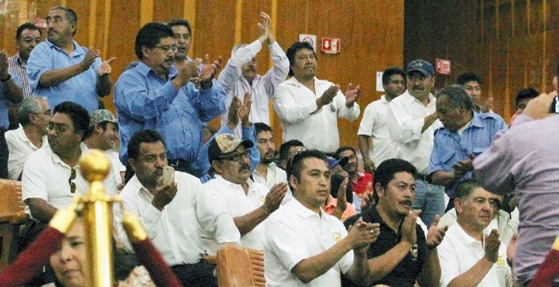 Respalda el Pleno. Los diputados aprobaron la propuesta de exhorto de Ricardo Calvo y Carlos Alaniz, quienes abogaron por los transportistas de Huitzilac.