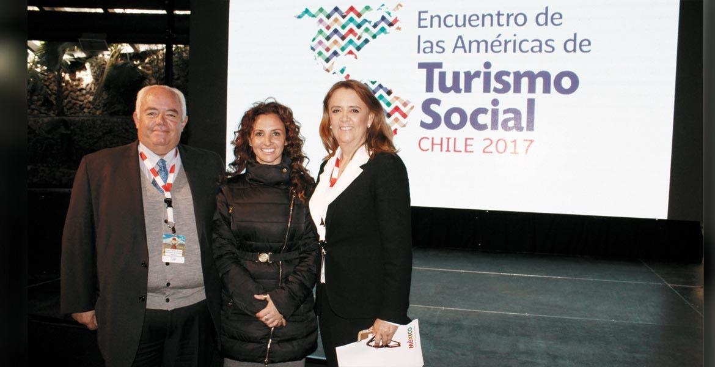 Orgulloso representante. Morelos representa al país en el Encuentro de las Américas de Turismo Social, en Chile, gracias a la exitosa política en dicho rubro