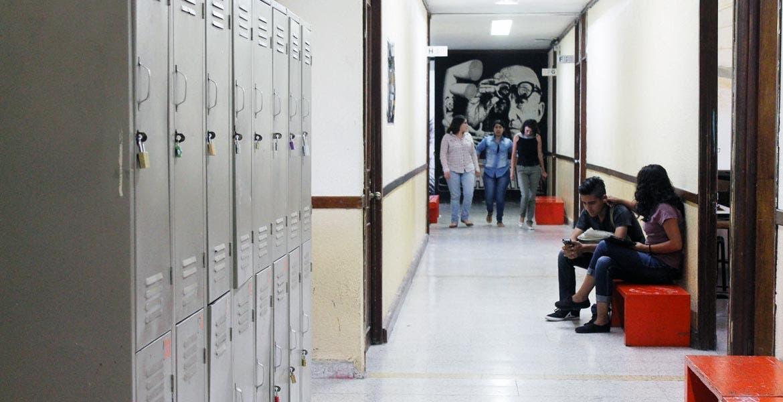 Crisis. Alumnos de la UAEM no se encuentran contentos con la administración actual ante la interrupción de proyectos en su beneficio, y baja de la calidad educativa.