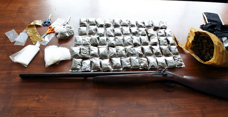 Narcovendedor. Isaac fue detenido con tres kilos de mariguana, cuando se encontraba elaborando varias dosis del enervante para distribuirlas en las principales zonas de Yecapixtla.