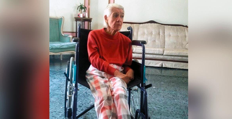 Se olvidan de ella. María Elena tiene una discapacidad intelectual, desconoce tanto el tiempo que ha permanecido en la casa hogar como dónde se encuentra su hermana, quien no se ha hecho responsable de los gastos generados por su atención y cuidado.