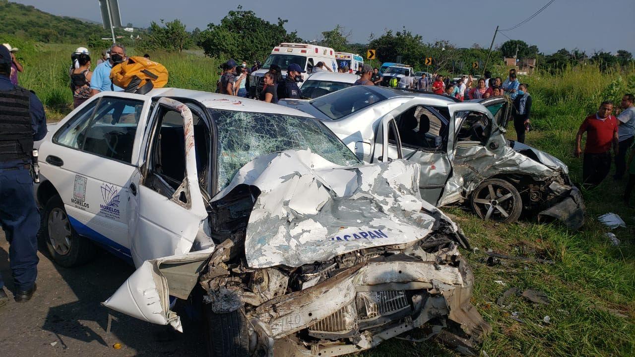 Deja 6 lesionados impactante accidente en Tlayacapan