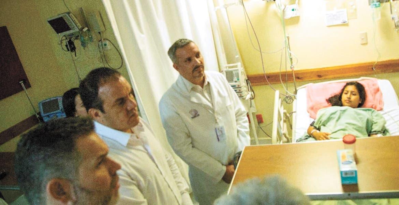 Acude Cuauhtémoc Blanco a Hospital de la Mujer en Yautepec