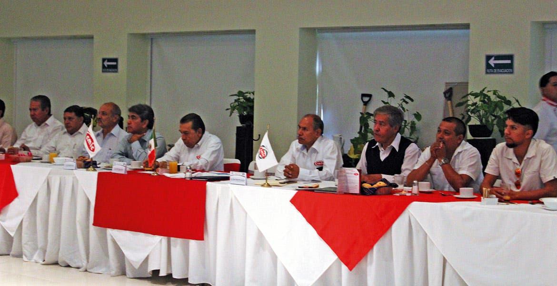 Plan de trabajo. El titular de la Ceagua dio a conocer a los empresarios de la construcción el programa de obras para lo que resta de la administración.