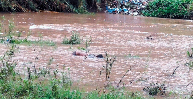 Hallazgo. Un hombre fue hallado sin vida ayer en la mañana, tras ahogarse en el río Yautepec, a la altura de la colonia Felipe Neri.