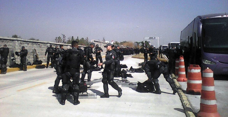 Hecho. Los policías viajaban en un autobús a la altura de la caseta de Alpuyeca.
