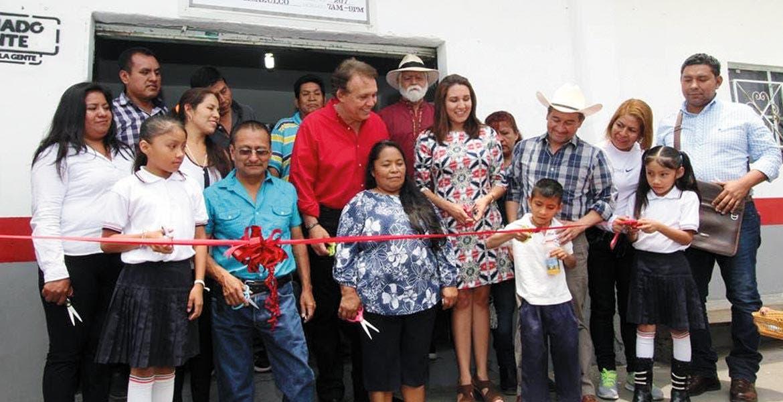 Inauguración. El anuncio de la venta de amaranto fue hecho durante gira de trabajo en Jantetelco