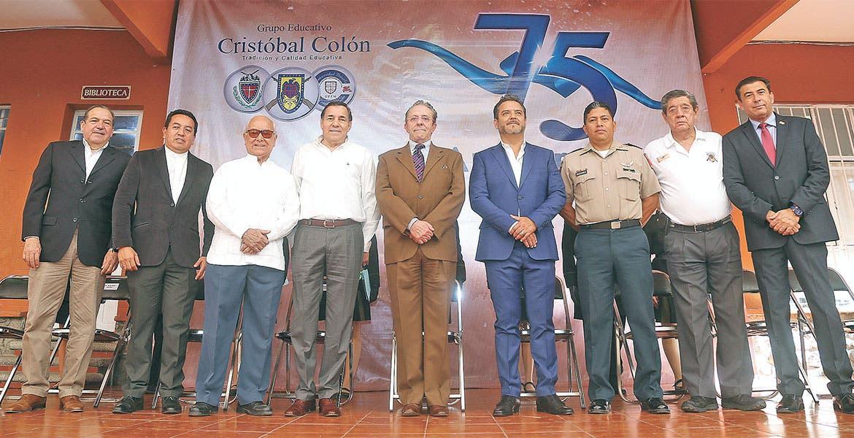 Conmemoraron 75 años del Colegio Cristóbal Colón