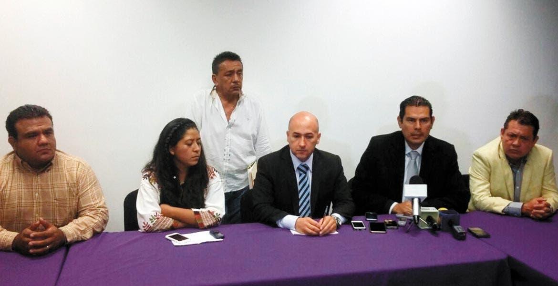 Conferencia. Javier Pérez Durón anunció la aparición de la abogada Adelaida Marcelino Mateos, quien se encontraba en Guerrero.