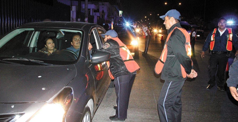La prueba. A finales del mes de agosto autoridades de Xochitepec aplicarán el alcoholímetro, con el cual buscan disminuir los accidentes automovilísticos.
