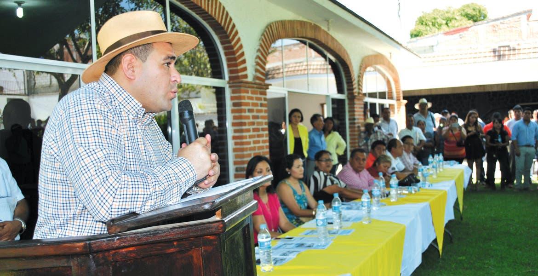 Apoyo. Agustín Alonso Gutiérrez aseguró a los ayudantes que tienen el respaldo del Ayuntamiento.