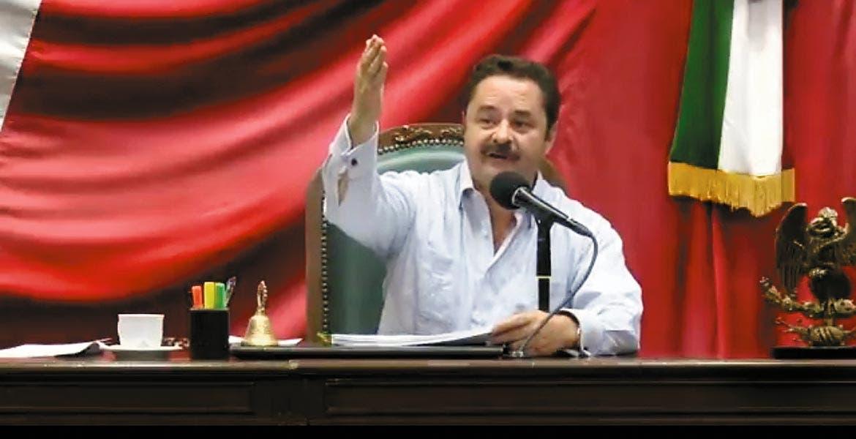 En el Congreso. El diputado Francisco Moreno Merino, tras la aprobación de municipios indígenas.