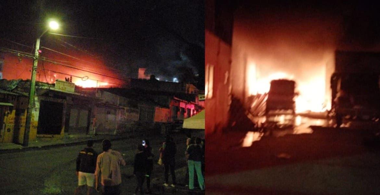 Arde bodega de PVC en Atlacomulco, Cuernavaca